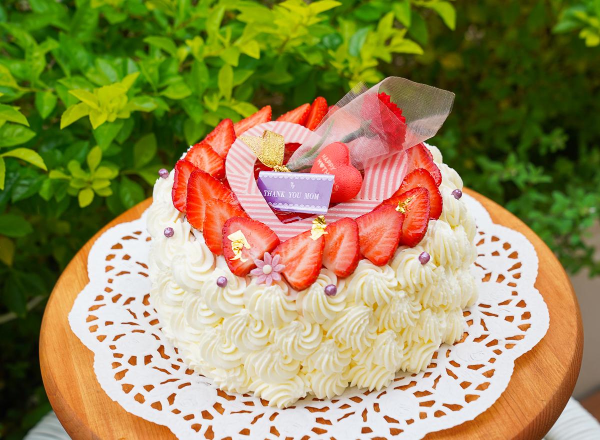 [高雄]日樹烘焙坊-純白系高雄網美麵包店~超美又不貴的母親節蛋糕推薦! @美食好芃友