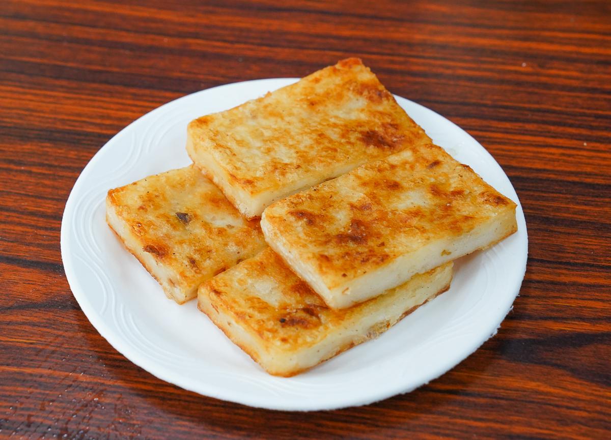[高雄三民區美食]味芳珍咖啡牛奶-永遠在排隊的老牌高雄早餐!薯餅+蛋餅的經典組合 @美食好芃友