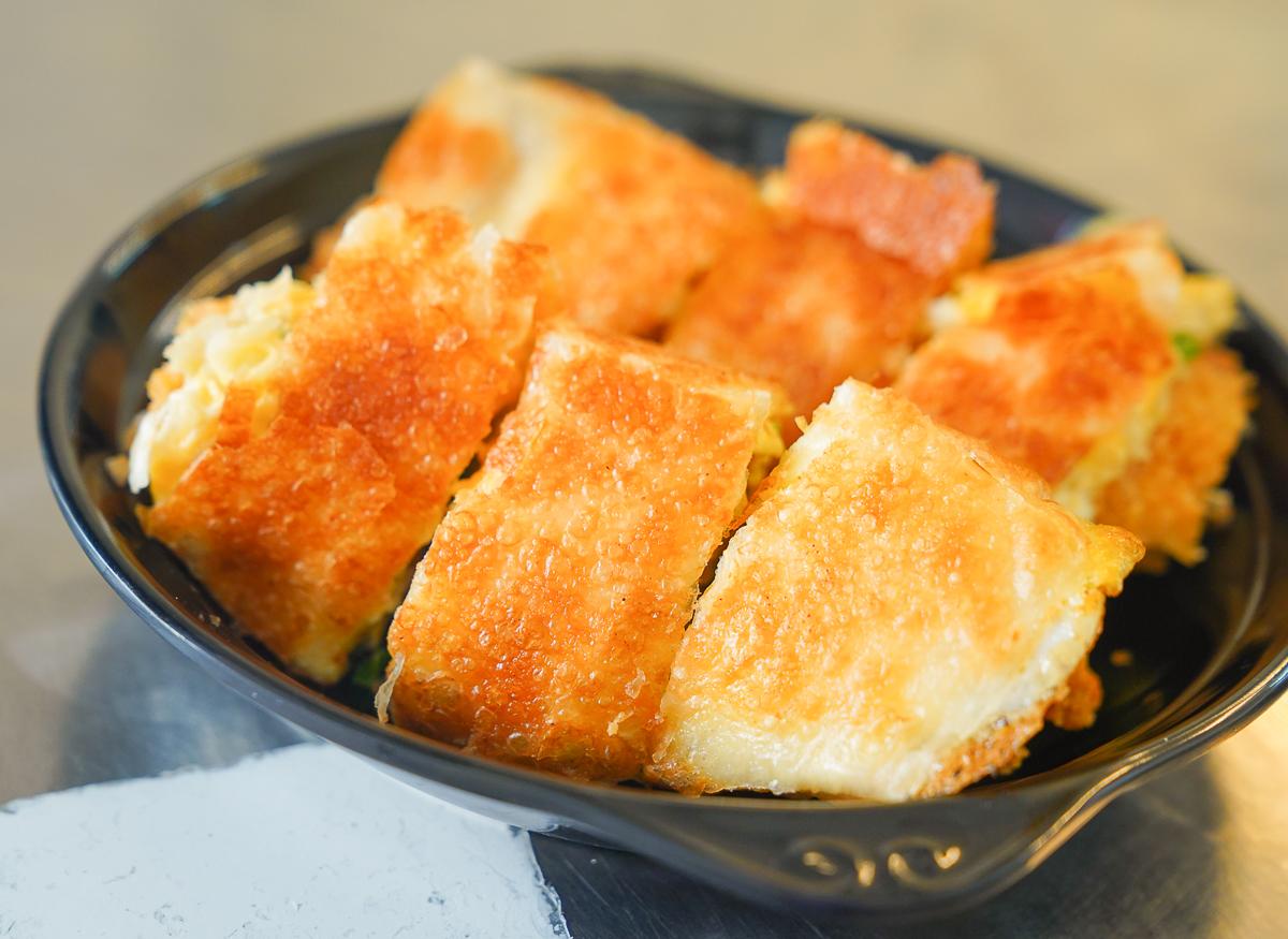 [高雄蛋餅推薦]露西生活廚坊-無招牌超人氣高雄蛋餅店!大份量厚脆皮蛋餅~ @美食好芃友
