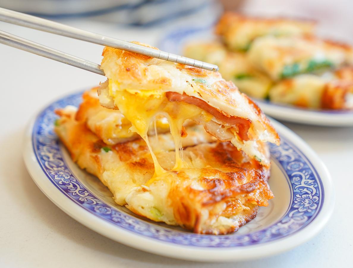 [高雄蛋餅推薦]巧千早餐美食坊-挑戰高雄最強九層塔蛋餅!北高雄的好吃粉漿蛋餅~ @美食好芃友