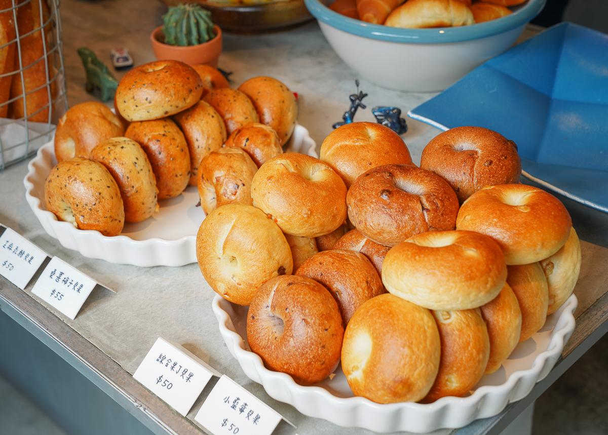 [屏東美食]美菊麵包店-文青必朝聖~屏東最美麵包店!賣的不只是麵包是藝術啊~ @美食好芃友
