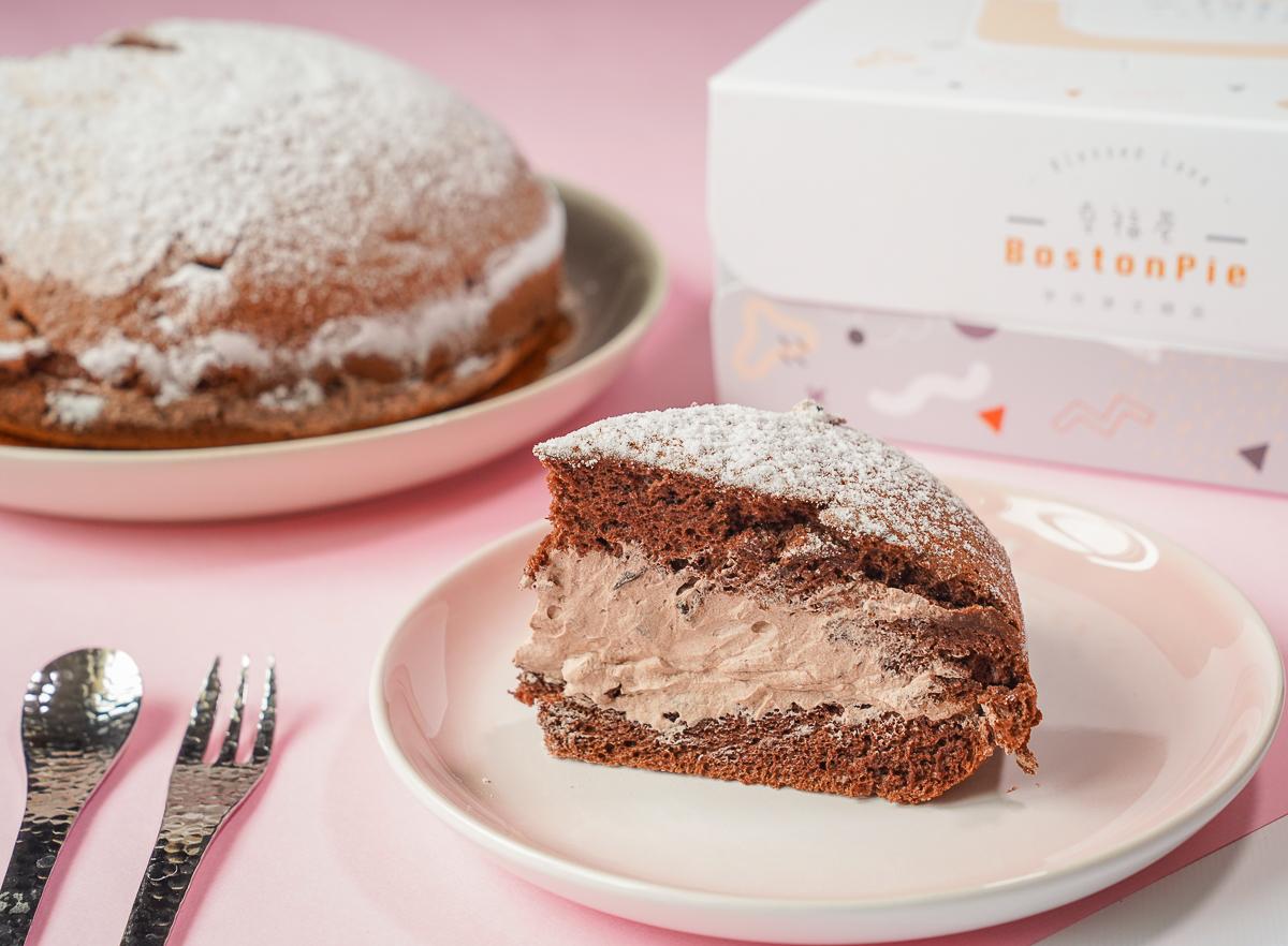 [高雄彌月蛋糕]幸福巷手作波士頓派-超療癒綿軟波士頓蛋糕~芋頭控不能錯過的鮮奶芋泥蛋糕 @美食好芃友