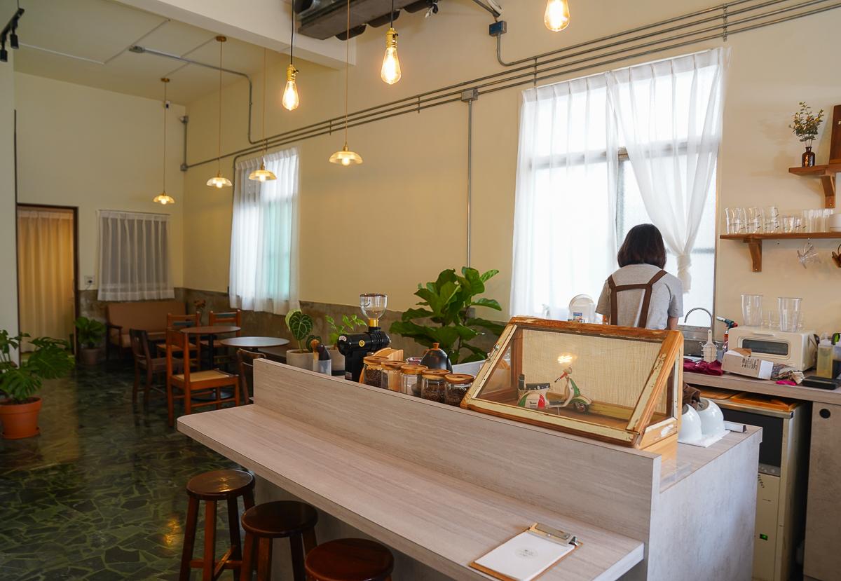[高雄咖啡館推薦]日和珈琲-高雄巨蛋小巷復古咖啡館~清新日系風格 @美食好芃友