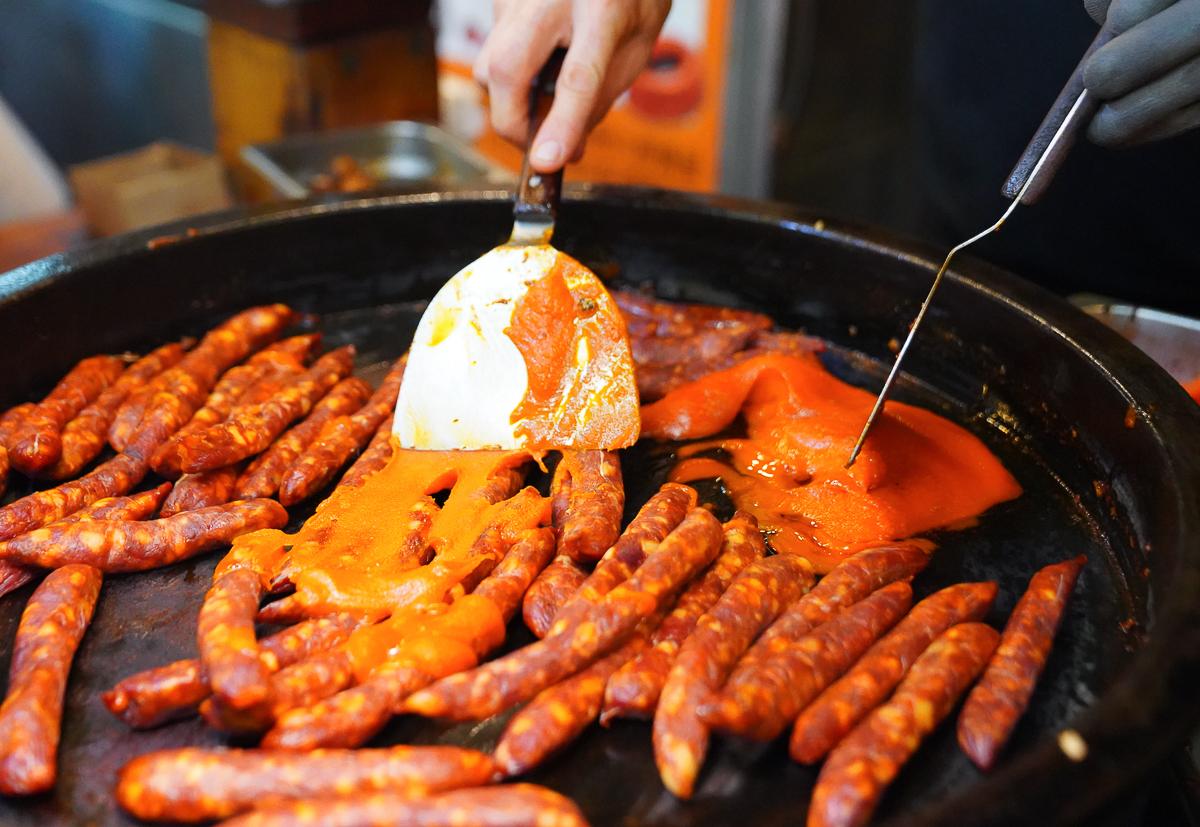 [瑞豐夜市美食]ZPaella Z的西班牙燉飯-外國主廚的西班牙燉飯~自燻臘腸用料超實在! @美食好芃友