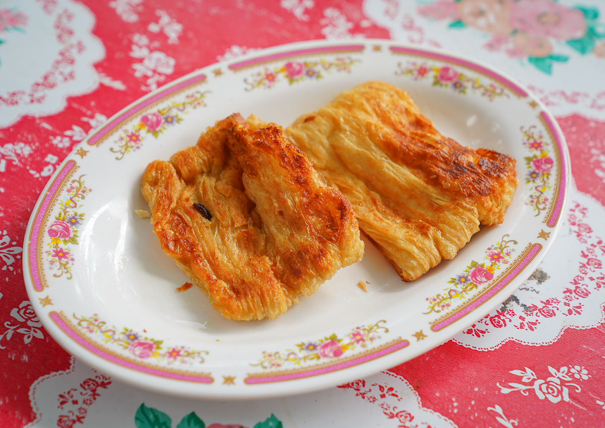 [台東美食]大池豆皮店-50年手工豆皮老店!常提早賣完的美味煎豆包~ @美食好芃友