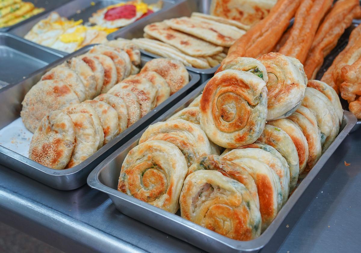[高雄前金美食]戴家豆漿店-50年老牌前金早餐!超好吃大湯包x熱騰騰花生湯 @美食好芃友