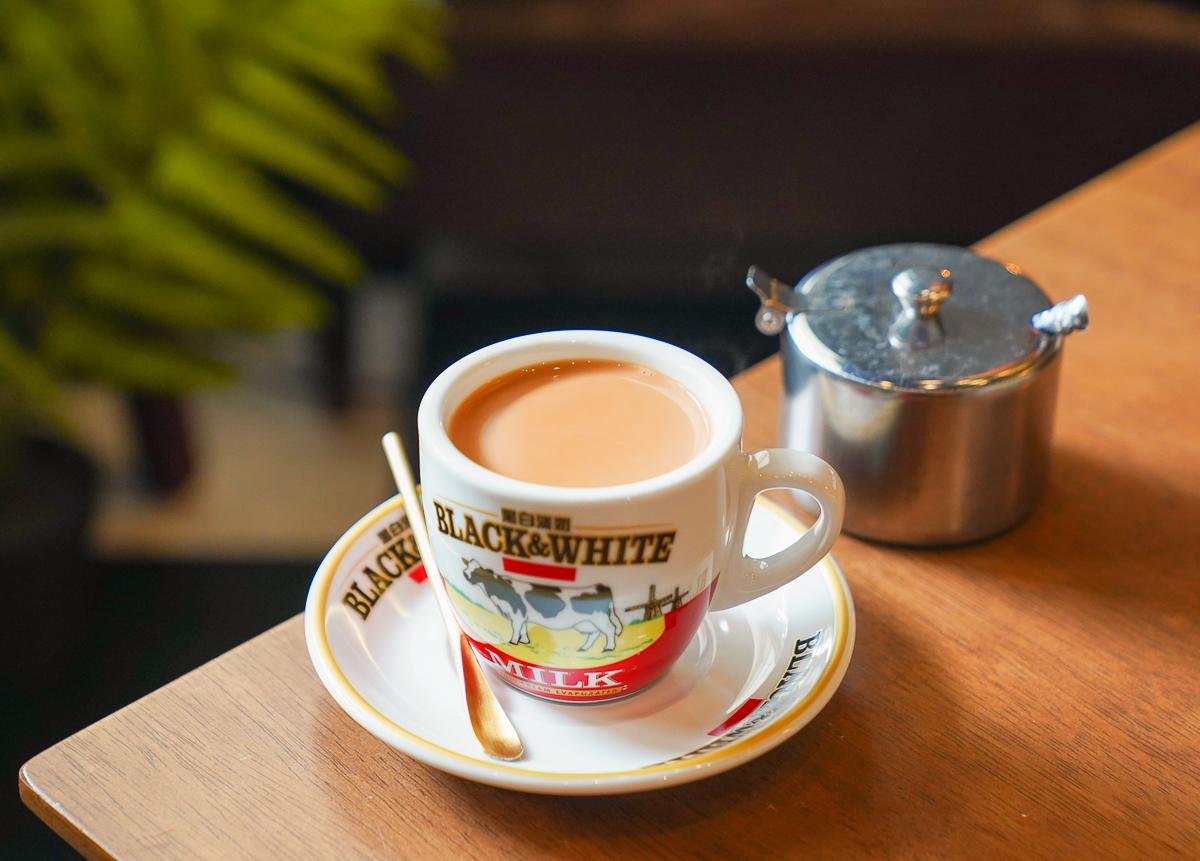 [高雄下午茶推薦]啡竇-隱藏巷弄!復古又新潮的港式咖啡廳~老港味菠蘿油、蛋撻與港味奶茶 @美食好芃友