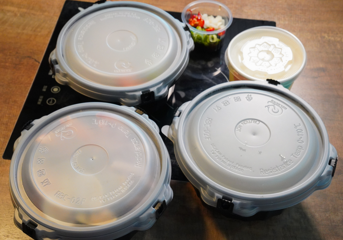 [高雄火鍋推薦]上官木桶鍋裕誠店-肉山堆滿滿~大胃王雙人50盎司鍋物套餐x美進心坎裡的花漾鍋 @美食好芃友