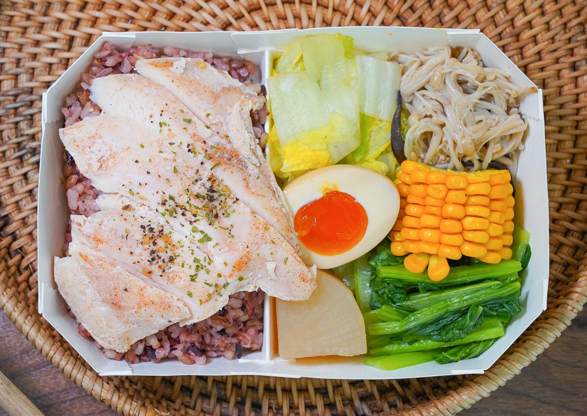 [高雄]健人餐廚-口碑第一高雄健康餐盒推薦!週年慶波士頓龍蝦便當買一送一 @美食好芃友