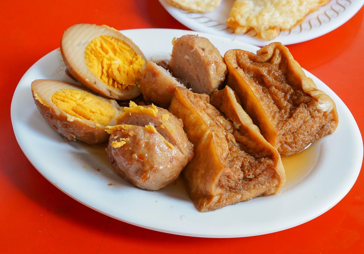 [前金美食推薦]前金肉燥飯-傳承三代老字號高雄早餐~必加半熟鴉蛋包 @美食好芃友