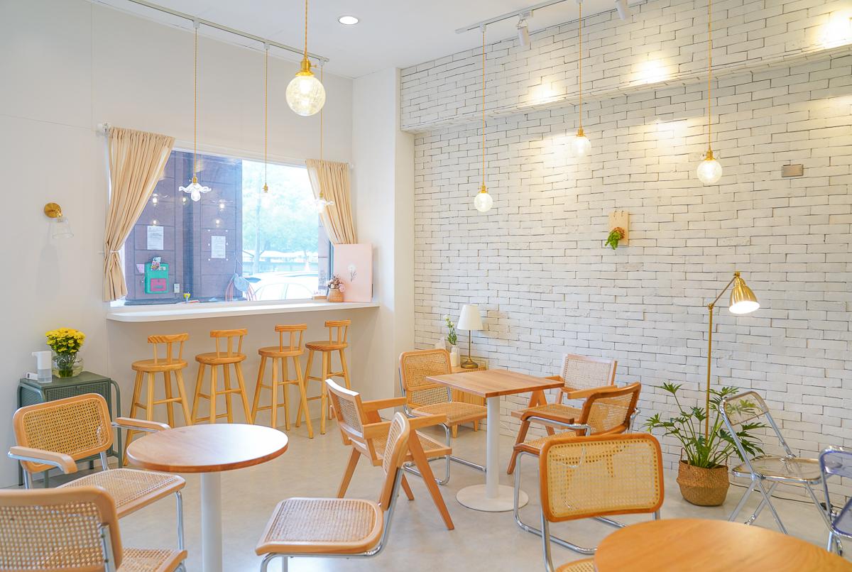 [左營美食推薦]槑咖啡-白色系韓風咖啡店~ig推爆好吃高雄下午茶 @美食好芃友