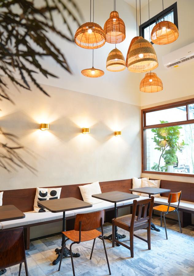 [高雄咖啡推薦]留白咖啡- Amis cafe 2.0~一週只開三天的巷弄深夜咖啡館 @美食好芃友
