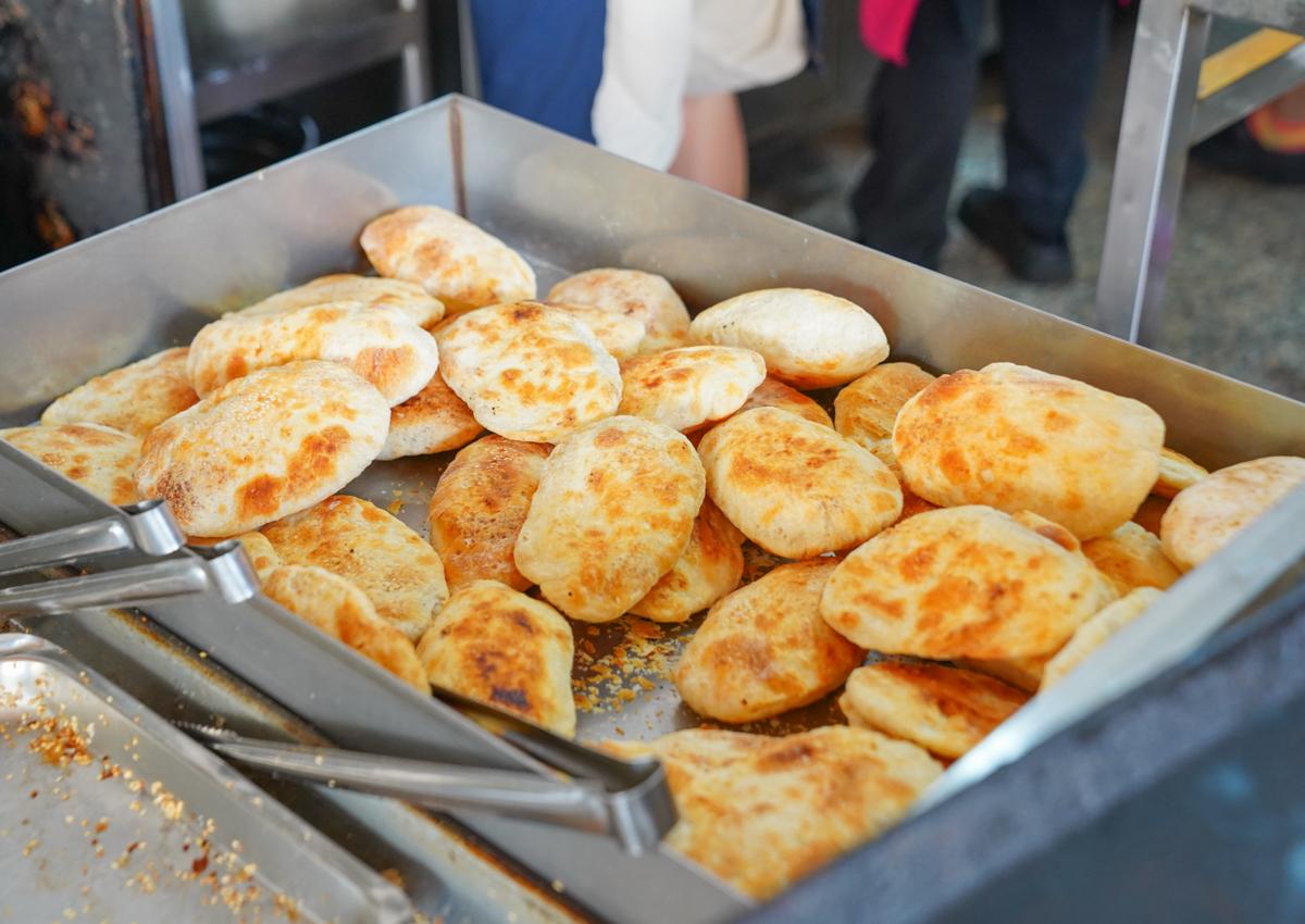 [高雄燒餅推薦]鳳山車站無名燒餅-五點半開始排隊!油條一小時多完售的鳳山早餐店 @美食好芃友