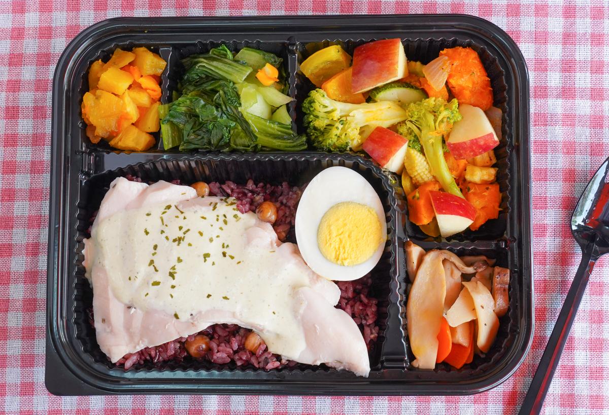 [高雄健康餐盒]洋爸爸健康餐-超人氣美味低脂營養餐!健身人與女性超推低卡餐盒 @美食好芃友