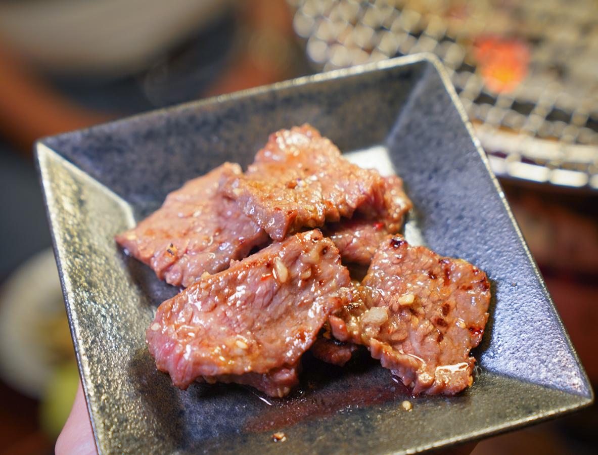 [高雄燒肉推薦]富治燒肉-不高C/P值卻依舊訂滿位的新崛江好吃高雄燒肉店 @美食好芃友
