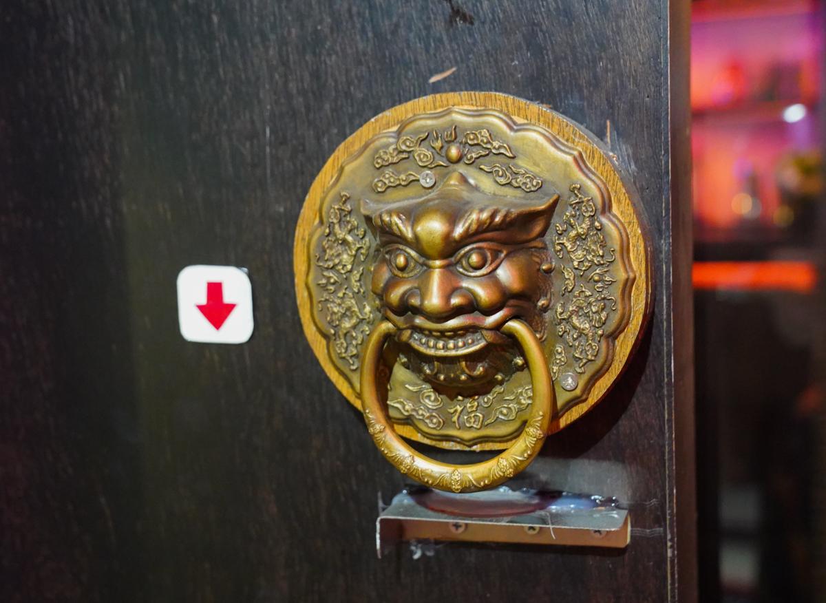 [高雄餐酒館推薦]崑崙客棧- 高雄唯一中國風餐酒館!迷人古院風、美人調酒讓人一秒穿越 @美食好芃友