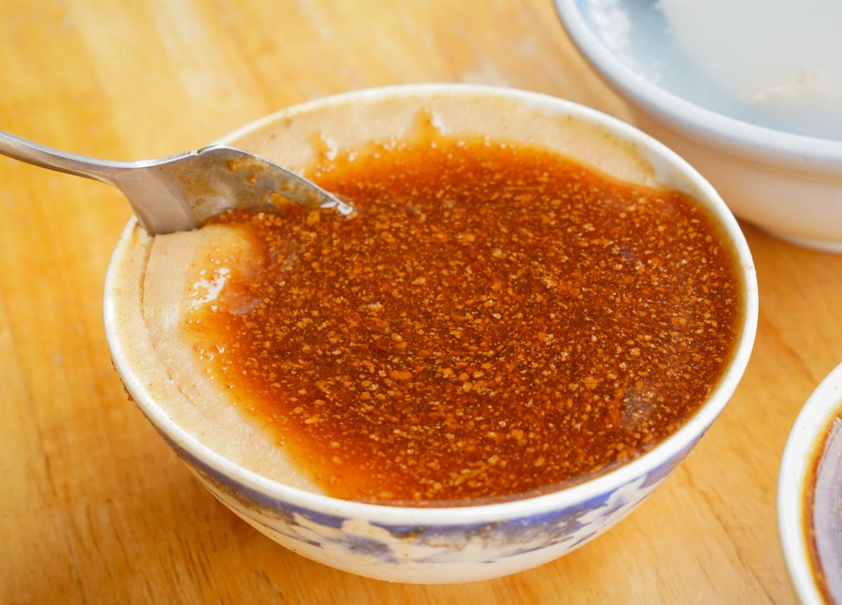 [高雄]屏東碗粿-獨家醬油膏+麻醬!一賣就賣40年的好吃高雄碗粿 @美食好芃友