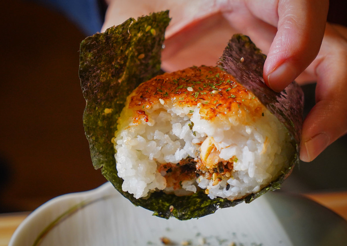 [高雄美麗島站美食]大入串燒-一秒到日本!平價有質感高雄居酒屋~串燒料理超正點 @美食好芃友