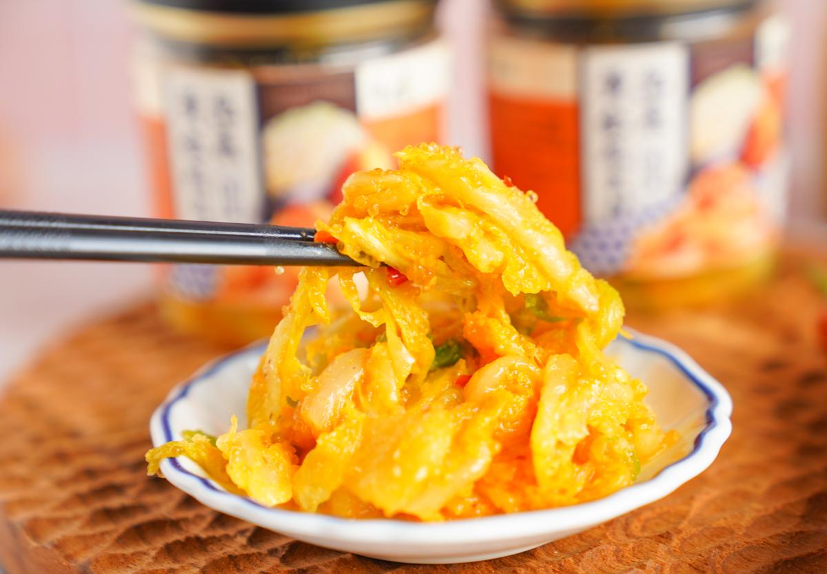 [宅配美食推薦]海濤客黃金飛魚卵泡菜-逼波口感涮嘴黃金泡菜~在家吃得到的小琉球美味 @美食好芃友