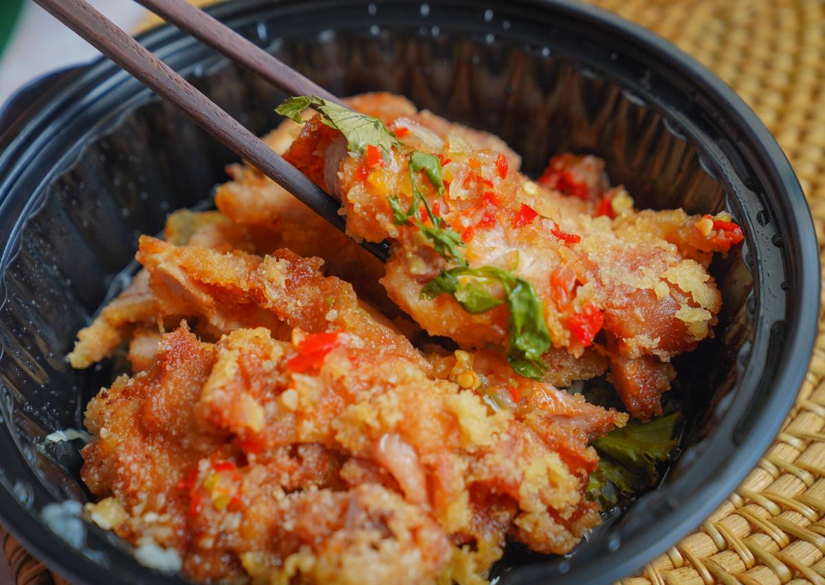 [高雄泰式料理]PAPAYA泰-超划算57折全家外帶餐~香濃泰國菜在家也能享用! @美食好芃友