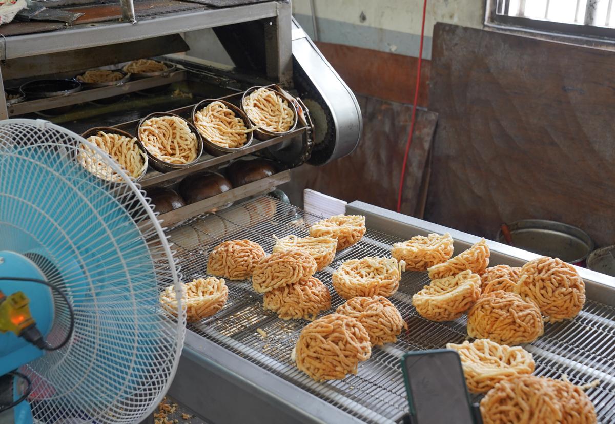 [高雄]新順發製麵行-南部人最愛炸意麵~銅板價鍋燒意麵、雞絲麵、烏龍麵麵條批發(可單買) @美食好芃友