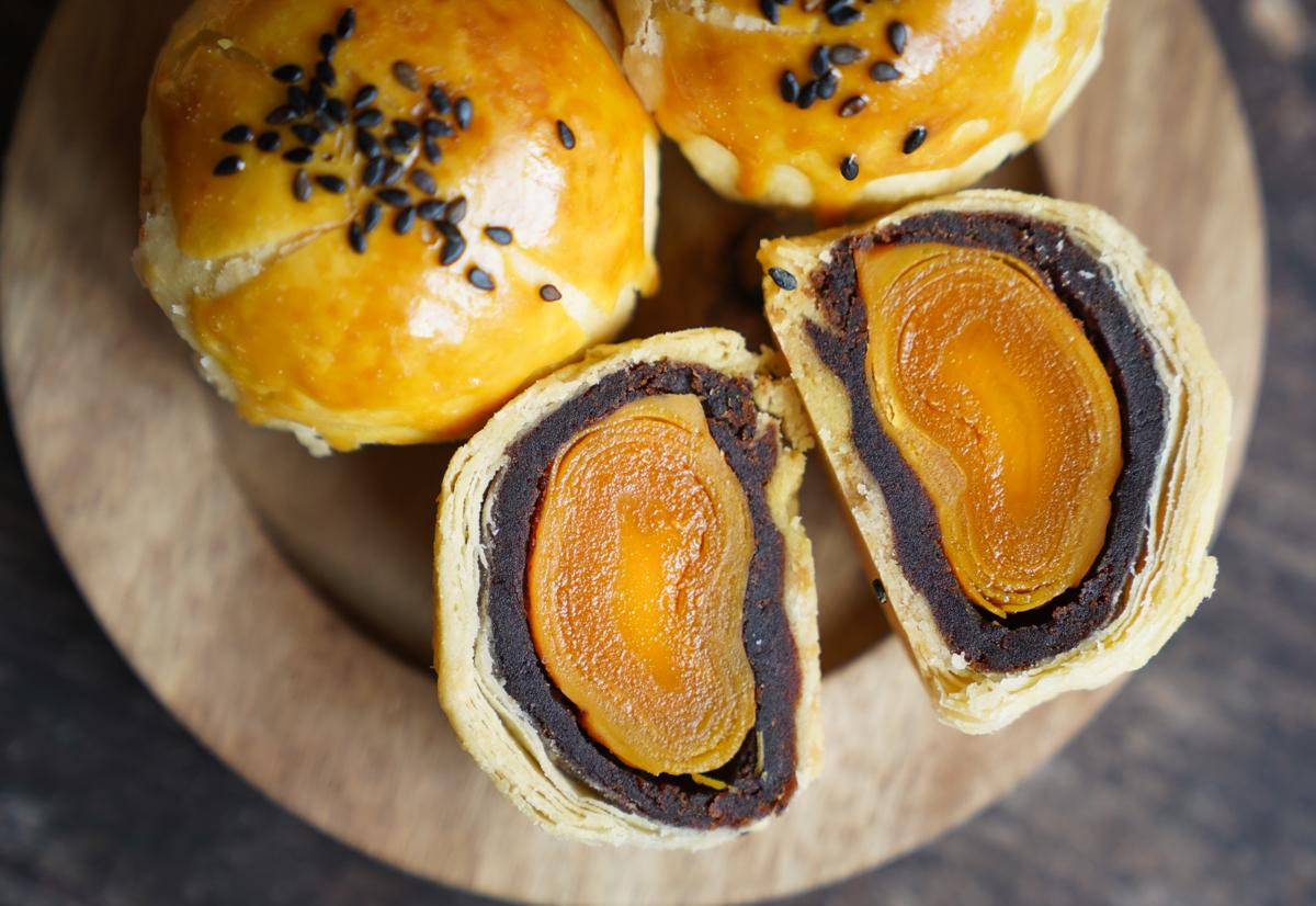 [彰化蛋黃酥推薦]典心菓Dancing Yolk-驚豔好吃棗泥蛋黃酥~細膩傳統口味x質感文青包裝 @美食好芃友