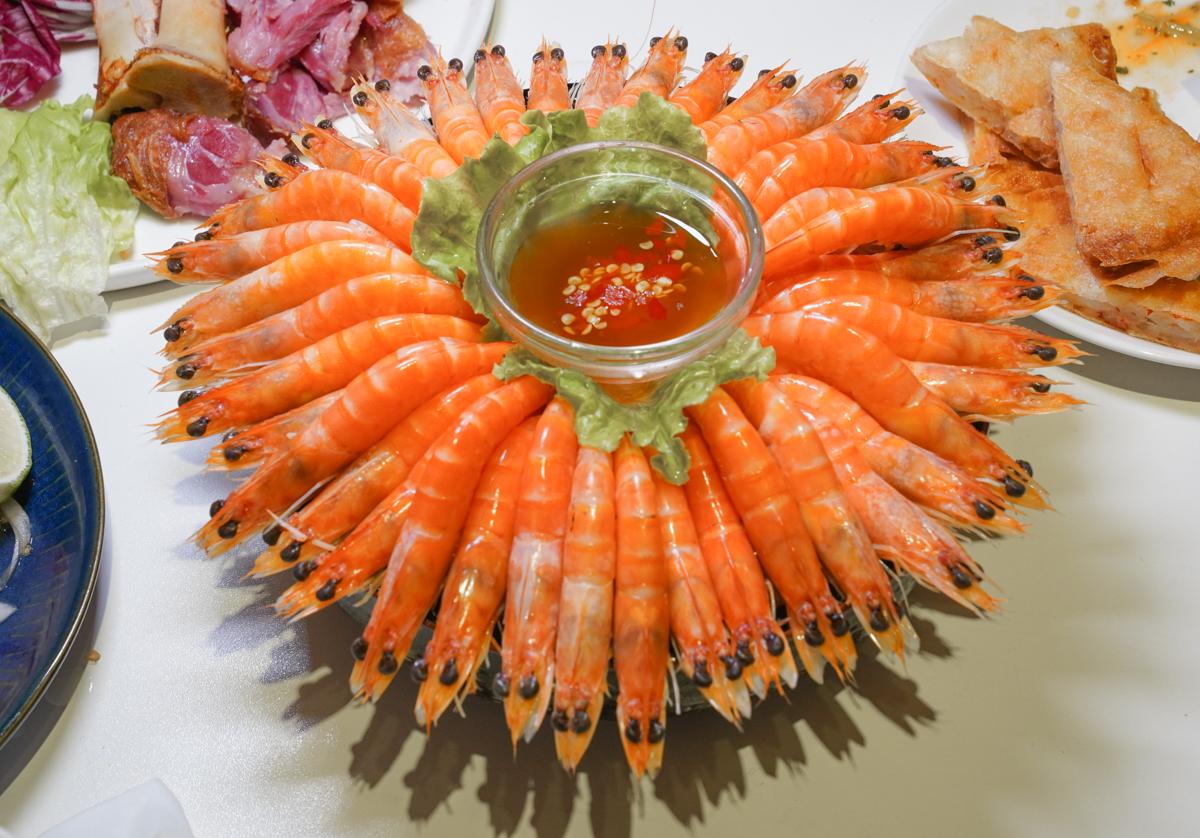 [高雄]PAPAYA泰- PAPAYA泰- 最超值高雄泰式餐廳!今年父親節就吃papaya泰~超特別的泰式德國豬腳 @美食好芃友