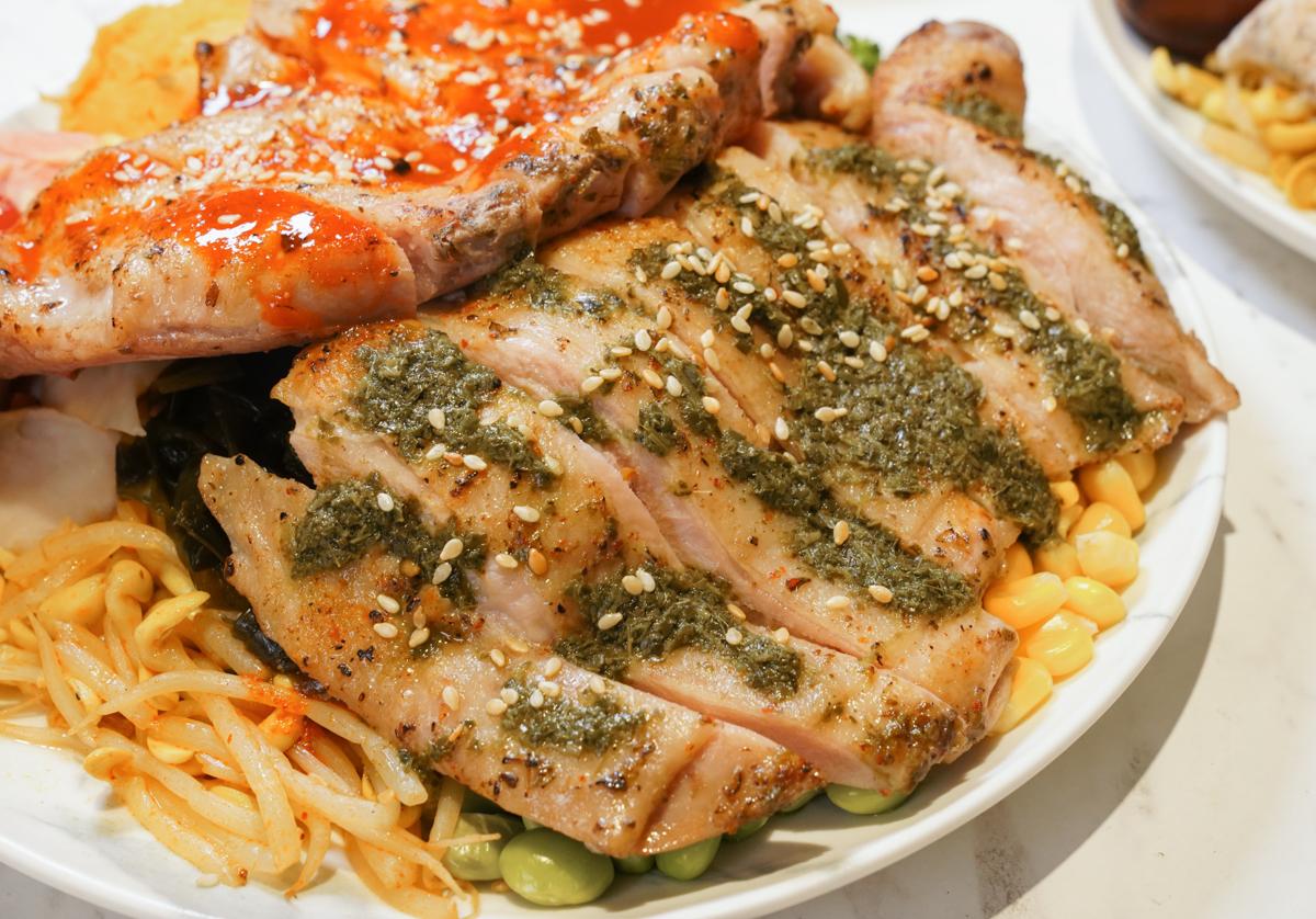 [高雄健康餐盒]72度c舒肥健康餐-澎拜百元健康餐盒!20多種肉類主餐自由選 @美食好芃友