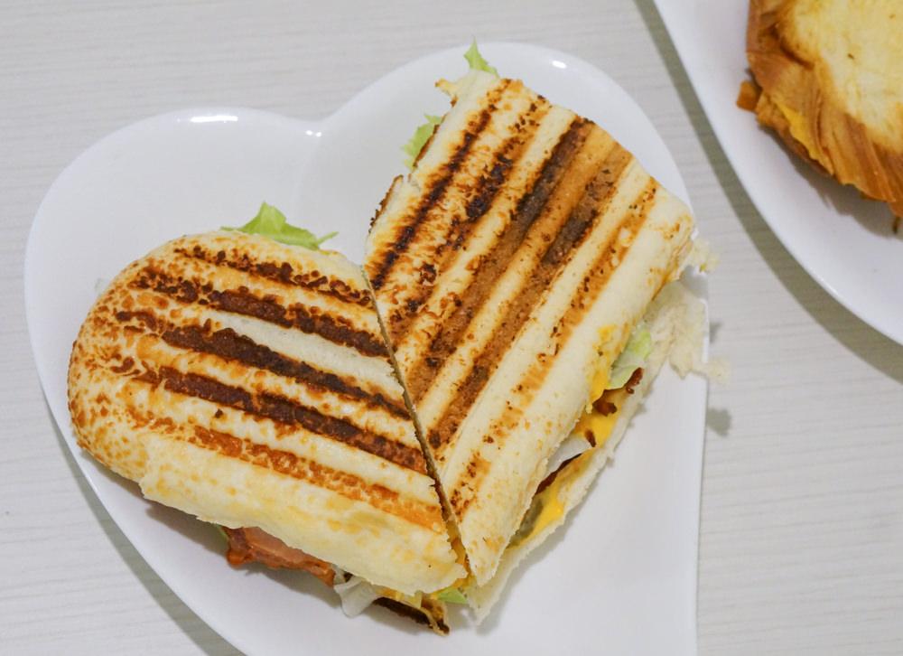 [高雄]Lover勒芙輕食.古巴三明治-美味三明治X平價也能吃豐盛早午餐 高師大早午餐推薦! @美食好芃友