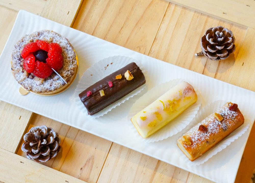 [高雄]ALive Dessert活.著.手作甜食-夢幻草莓白乳酪慕斯甜點杯x銷魂帕瑪森乳酪塔 隱藏版美味! 高雄下午茶推薦 @美食好芃友