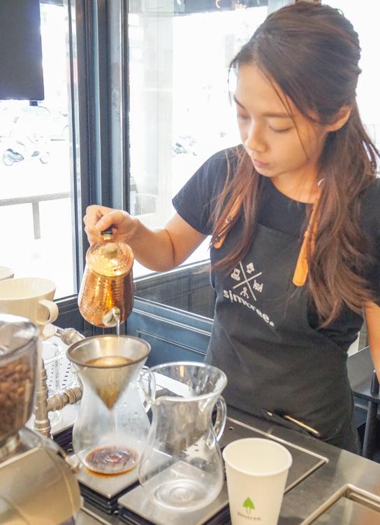 [高雄]興趣 x simtree-超高C/P值設計感咖啡店! 好吃麵包鹹派X自家烘焙咖啡 科學灌溉食物 高雄咖啡店推薦 @美食好芃友