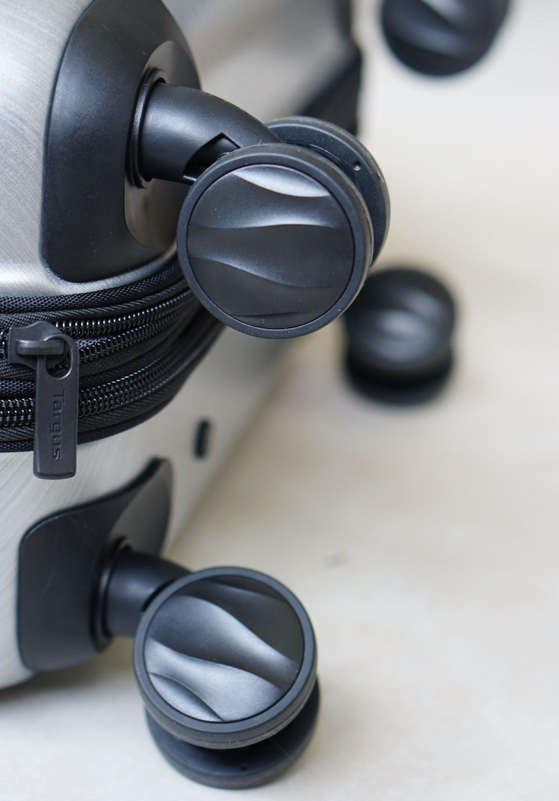 [旅遊]Targus Transit 360° Spinner 15.6″-商務客首選! 超輕型登機電腦拉桿箱  登機行李箱推薦 @美食好芃友