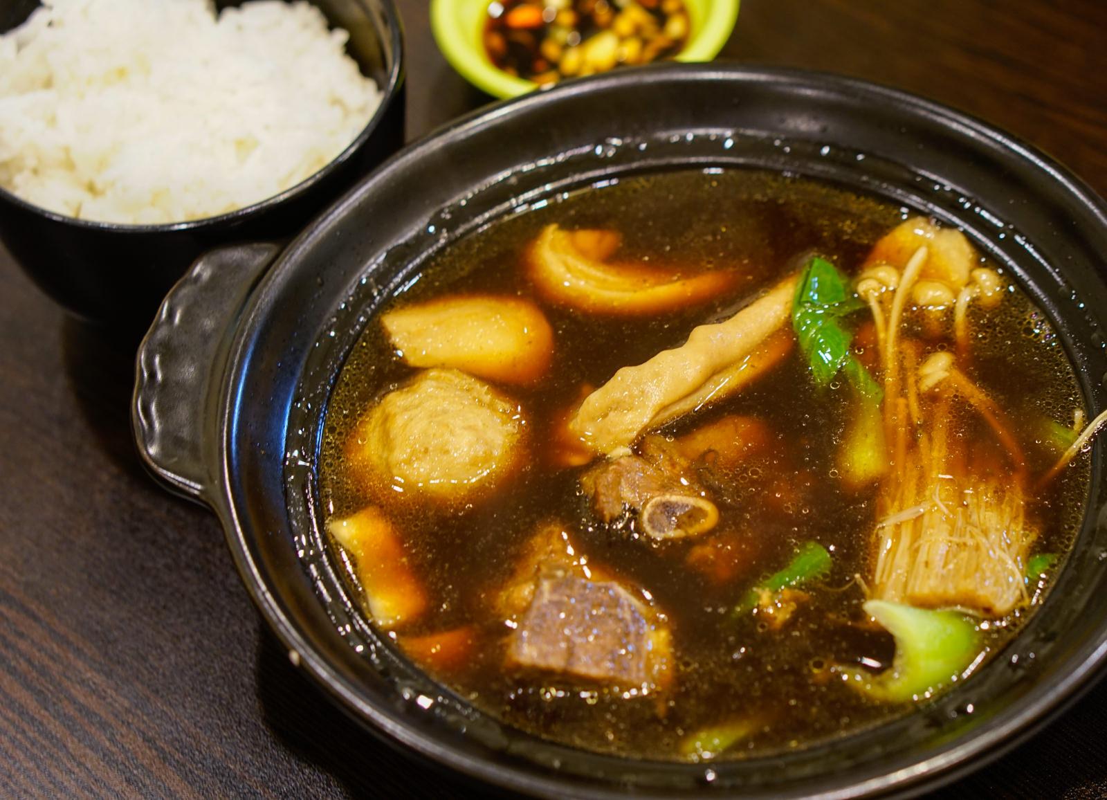 [高雄]MiCurry邁咖哩馬來風味料理-正宗馬來風味!超正點叻沙麵x馬來西亞肉骨茶 高雄咖哩推薦 @美食好芃友