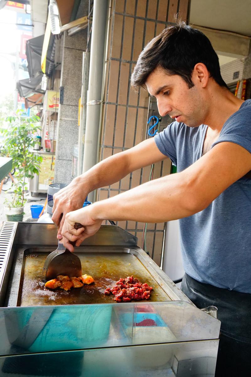 [高雄]28土耳其餐館-銅板價超熱賣土耳其捲餅! 道地土耳其家鄉味  高雄文藻美食推薦 @美食好芃友