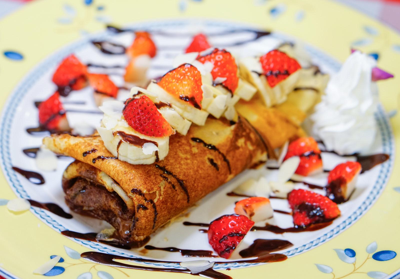 [高雄]Chez Alexandre亞力的家法式薄餅小館-冬季限定!草莓巧克力法式薄餅 正統法式餅皮 高雄下午茶推薦 @美食好芃友