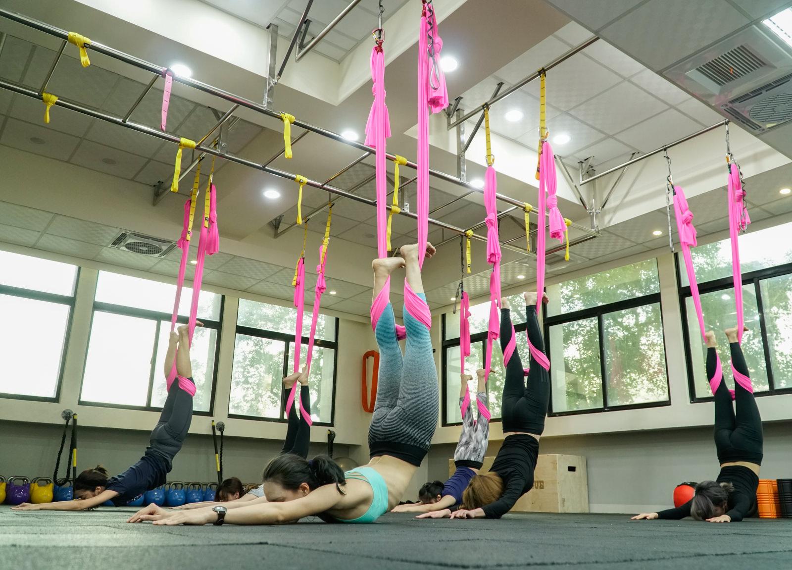 [高雄]Amber Fit安柏飛運動中心-女性時尚運動 質感專業空中瑜珈課程 高雄空中瑜珈推薦 @美食好芃友