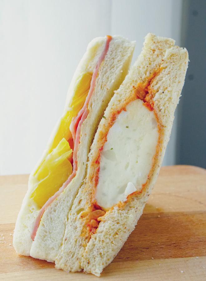 [高雄]早堂。手作早餐-每日限量草莓滿滿幸福感三明治! 文青餐車x三明治x蛋餅 三民區早餐推薦 @美食好芃友