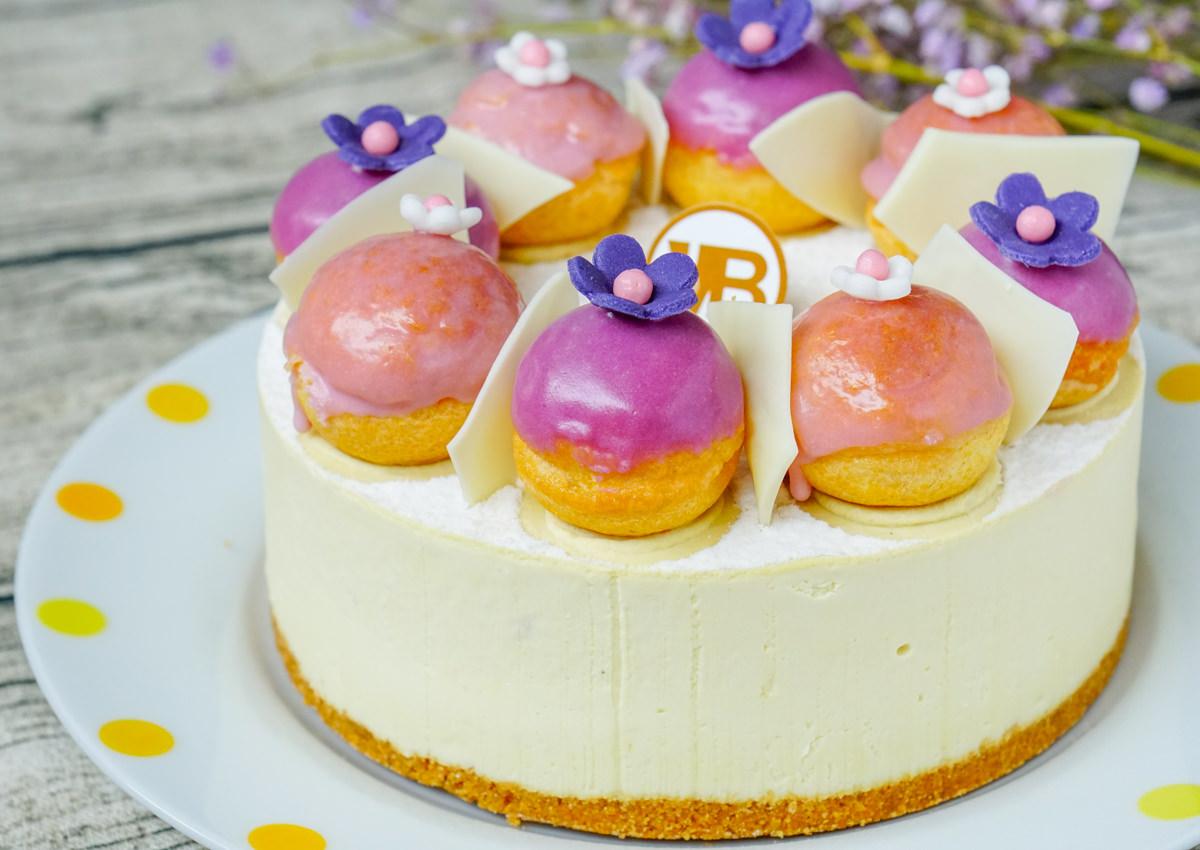 [宅配甜點]Vanessa's Bakery凡內莎烘焙工作室-薰衣草甜禮★天然薰衣草焦糖洋梨生乳酪蛋糕 捨不得吃的藝術品蛋糕 母親節蛋糕推薦 @美食好芃友