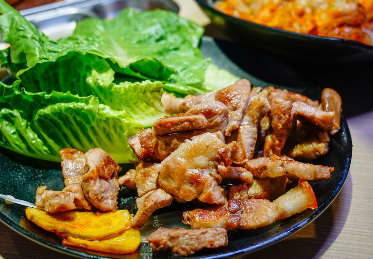 [高雄]油蔥酥韓國烤肉村-道地味韓國烤肉x銷魂起司辣雞 高雄韓式烤肉推薦 @美食好芃友