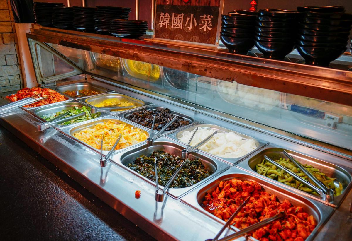 [高雄]東大門韓式燒烤暢食料理館-多種韓食選擇不無聊!超夯高雄韓式烤肉吃到飽 @美食好芃友