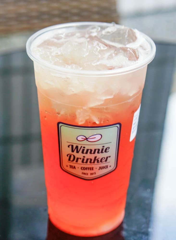 [高雄]Winnie Drinker葳林爵閣(三多店)-蘋果肉爆發!清爽富士蘋果綠 高雄必喝夢幻飲品 @美食好芃友