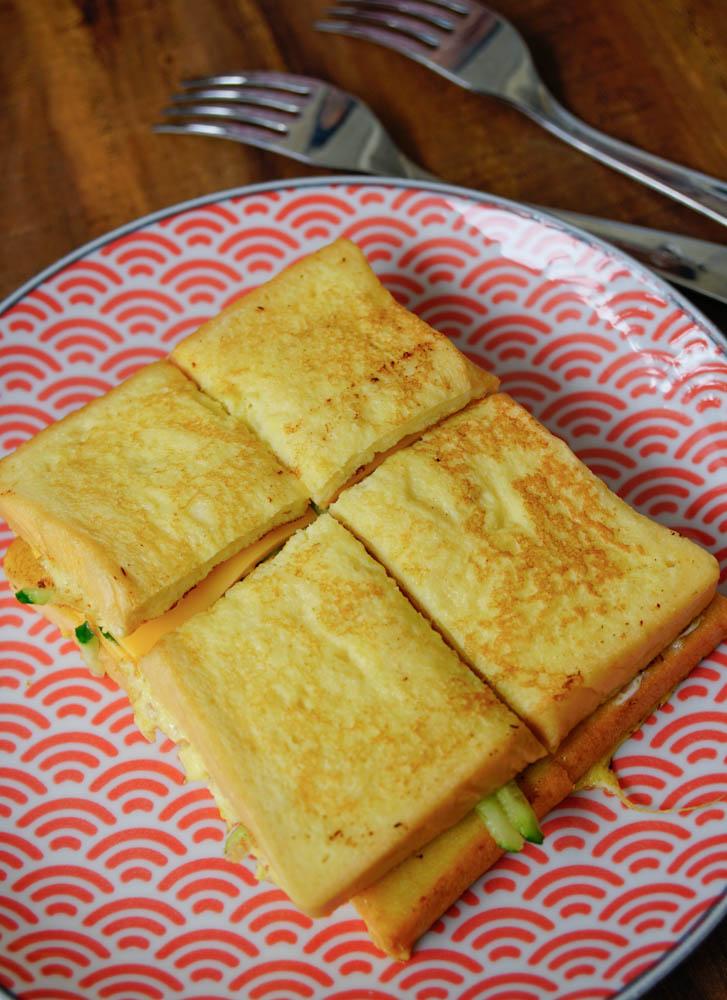 [高雄鹽埕美食]喵姨蛋餅Cindy's Pancake-超特別雪裡紅蛋餅! 創意用心早餐店 @美食好芃友