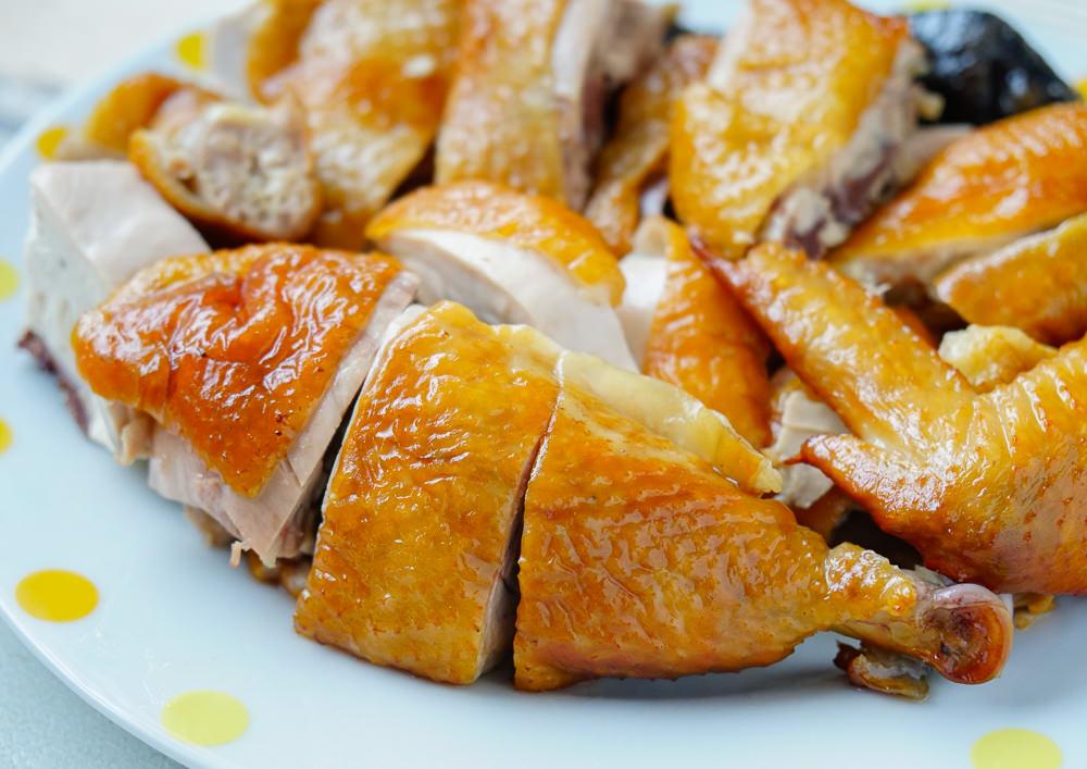 [高雄]元榆牧場(高雄美術館門市)-燻香入味好吃甘蔗雞! 不打藥的黑羽土雞 @美食好芃友