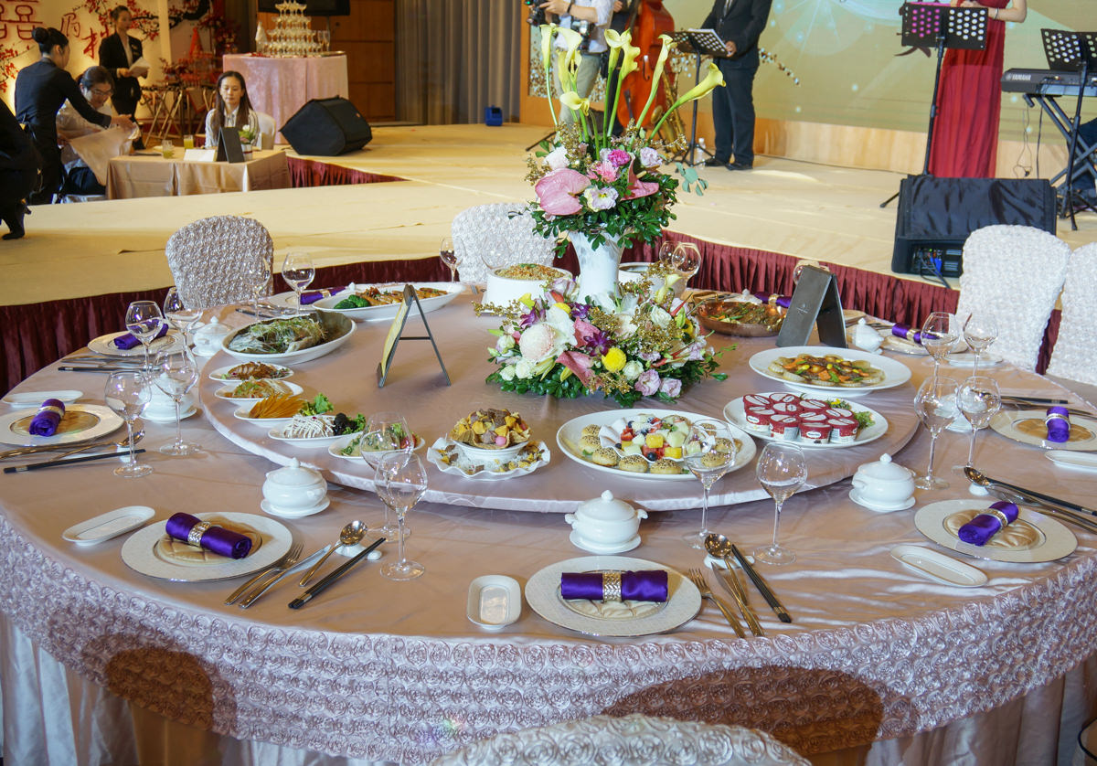 [高雄]漢來大飯店-金色璀璨婚禮體驗日!華麗場地設備更升級 @美食好芃友