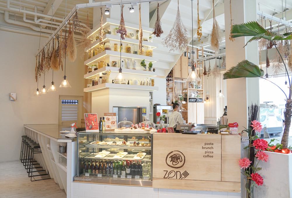 [高雄]Zone Café弄咖啡(美術館貳店)-乾燥花秘境享青海路最高C/P值義式料理 @美食好芃友