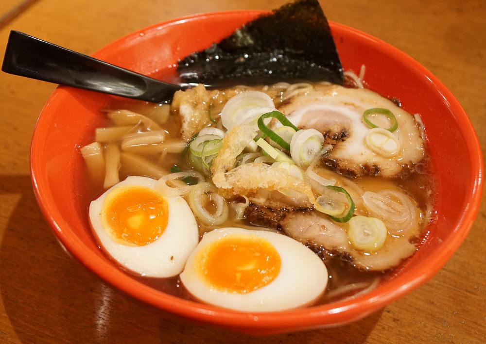 [北陸富山旅遊]麺家いろはRamen Iroha-必吃富山黑拉麵!在地人最推拉麵 @美食好芃友