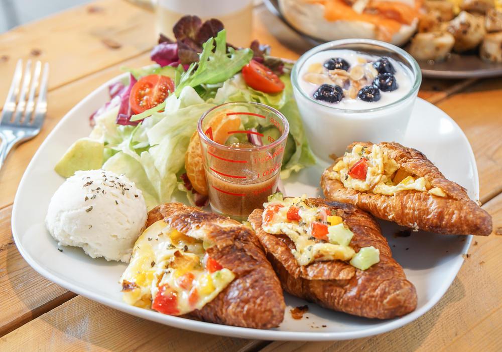 [高雄早午餐推薦]滴。時刻手作咖啡廚房-約會聚餐都適合!巷弄隱藏美味早午餐 @美食好芃友