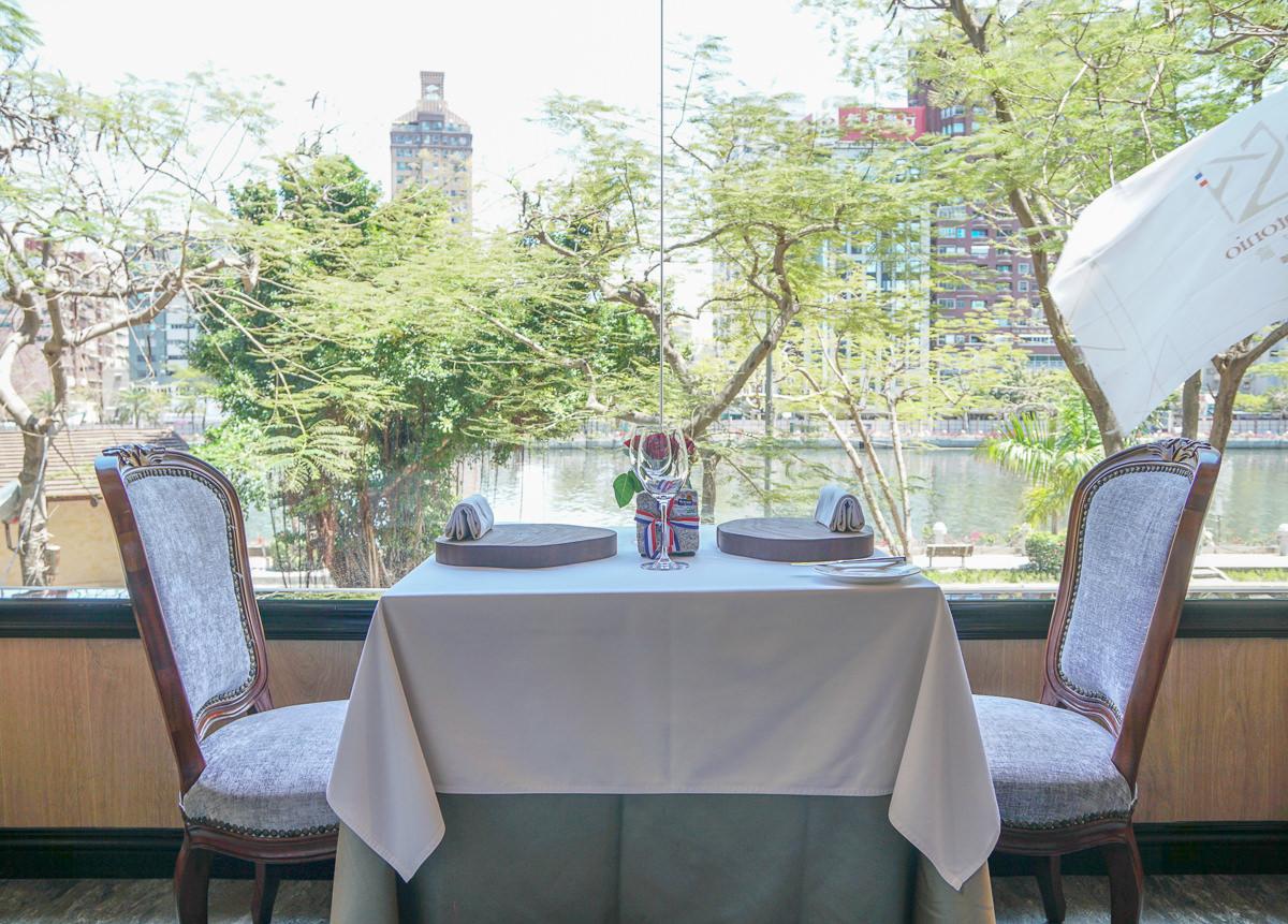 [高雄約會餐廳]安多尼歐法式餐廳-超值雙人肋眼牛排套餐x粉嫩櫻花甜點推車 @美食好芃友