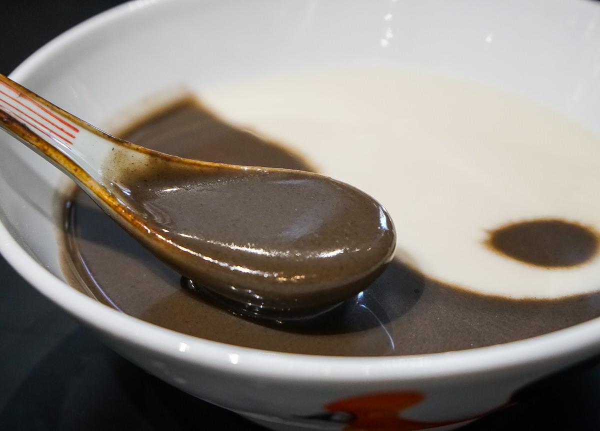 [高雄]九記食糖水-超酷中國風甜湯!詠春拳法老闆坐鎮的港式甜品潮店 @美食好芃友