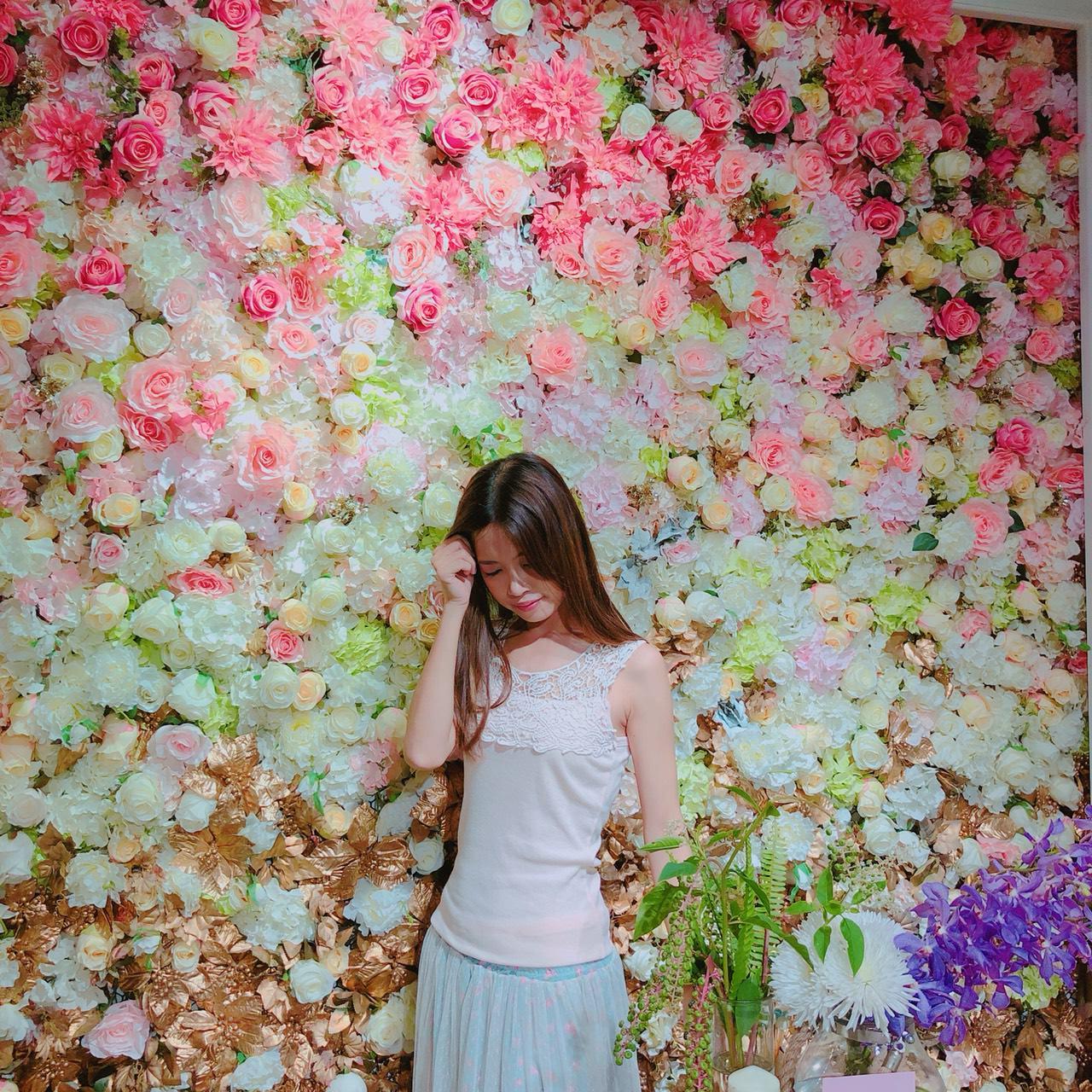 [高雄]棉花糖花藝·甜點·下午茶-旋轉木馬與花藝的極致夢幻空間!IG網美打卡必來 @美食好芃友